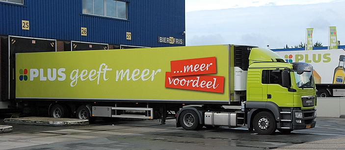 Vrachtwagen van Plus Retail West